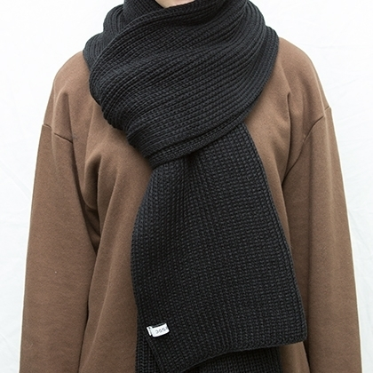 365BASICEssential Knitted Scarf