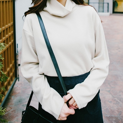 BAUHAUSLoose Fit Turtleneck Top