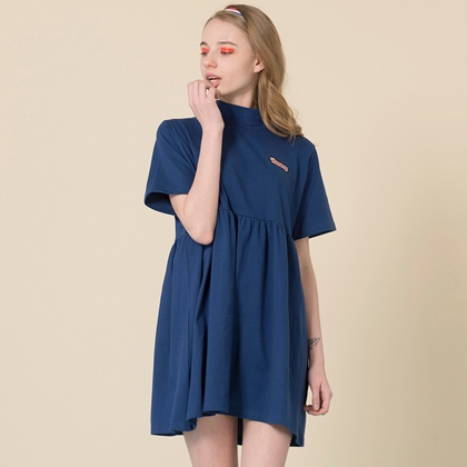 HIDE AND SEEKYUMMY Patch High Neck Dress