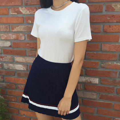 Striped Hem Accent Pleated Mini Skirt