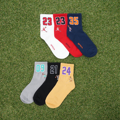 Number With Character Print Socks