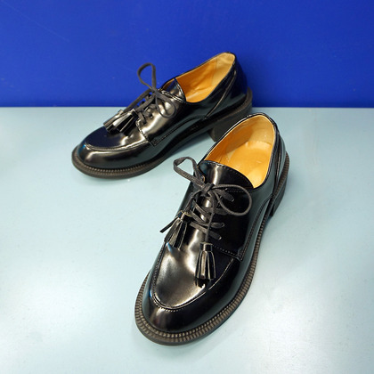 Tasseled Lace-Up Shoes
