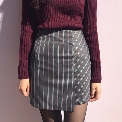 PAST PASSIONStripe Patterned Asymmetrical Mini Skirt