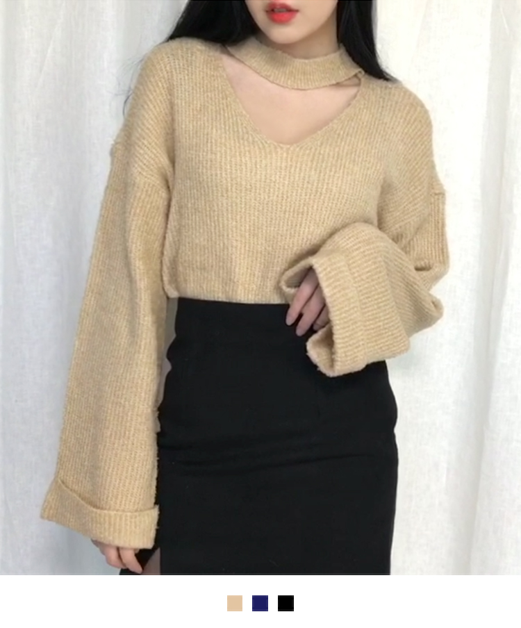 Knitted Choker V-Neck Sweater