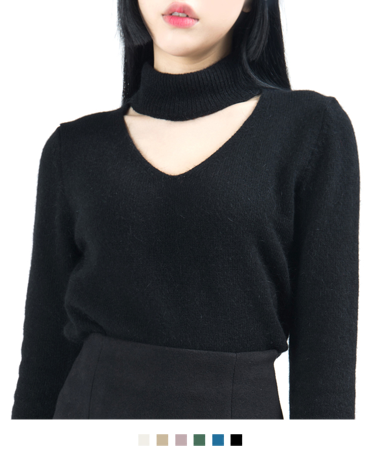 Choker V-Neck Knit Top