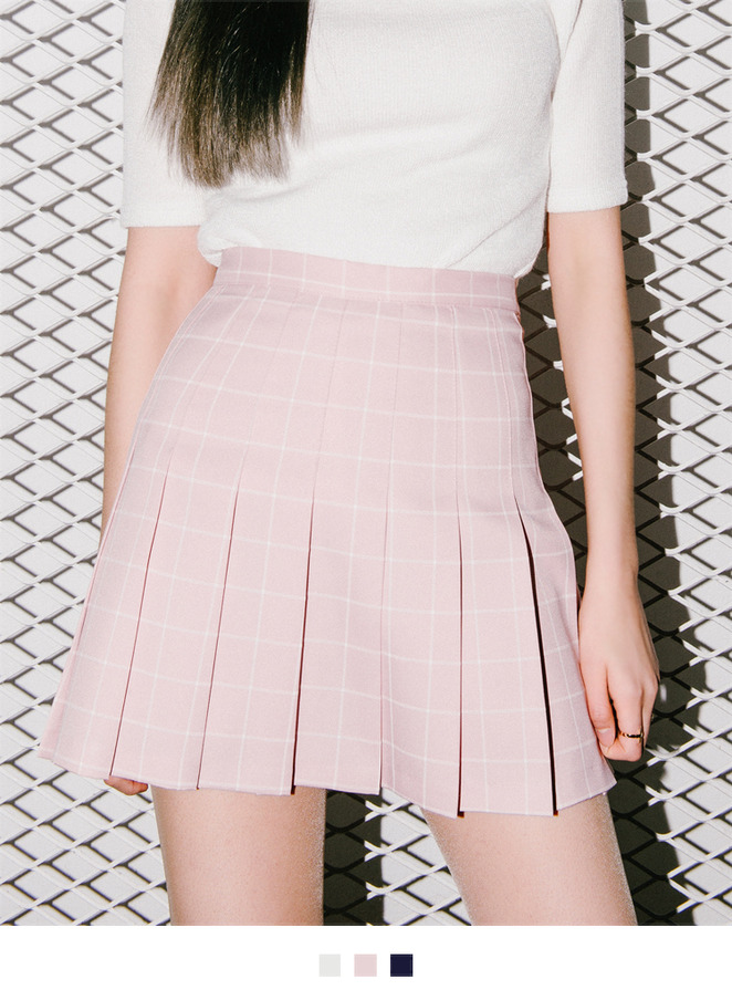 Graph Check Pleated Mini Skort