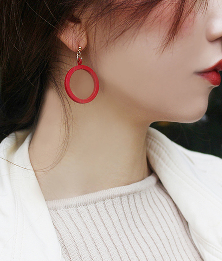 Matte Round Frame Earrings