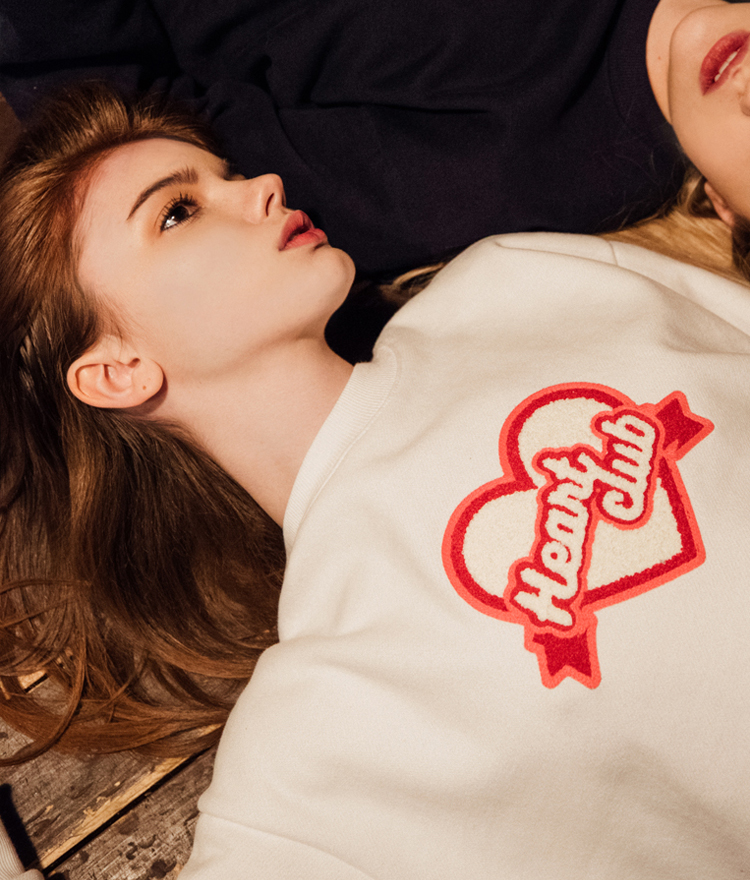 HEART CLUBLogo Patch Sweatshirt