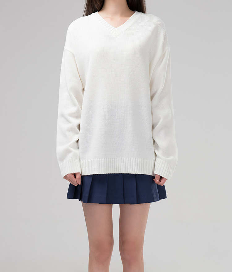365BASICBasic V-Neck Knit Sweater