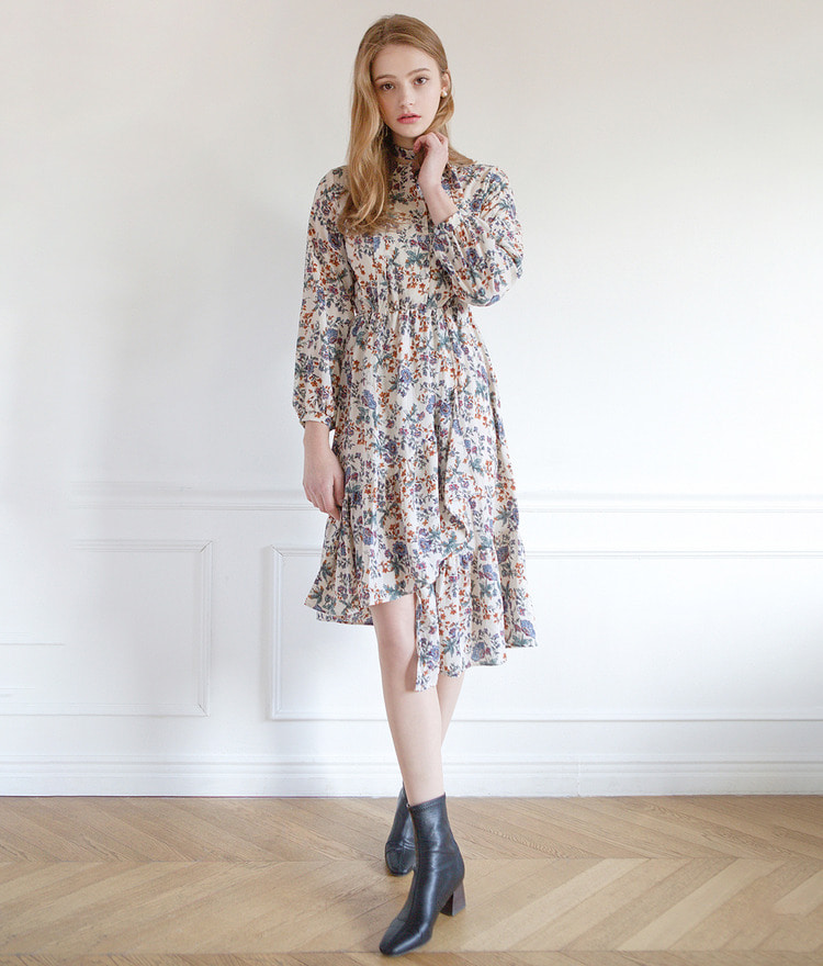 ROMANTIC MUSEAsymmetrical Hem Floral Dress