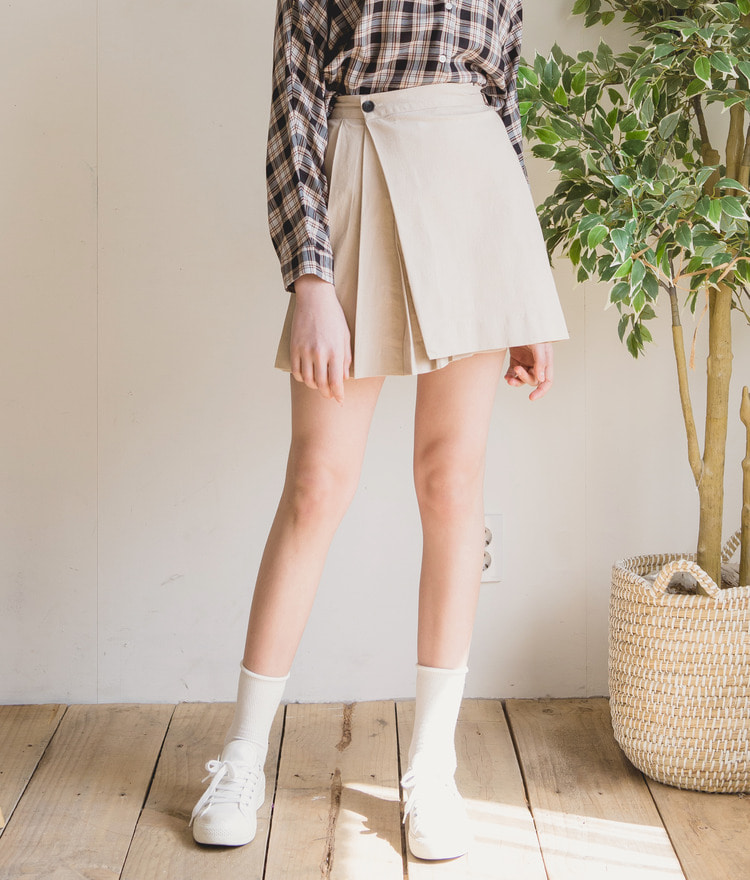 ESSAYPleated Mini Skirt