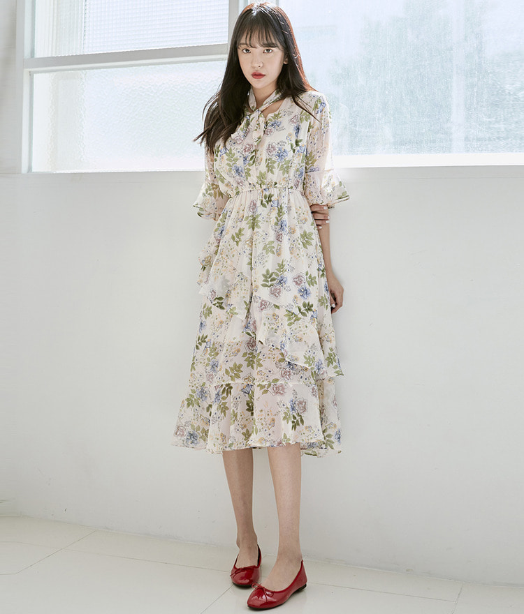 ROMANTIC MUSERibbon Tie Floral Dress