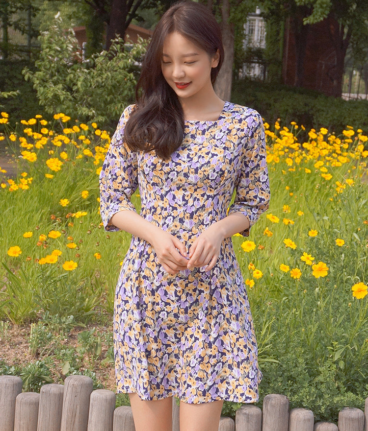 ROMANTIC MUSESquare Neck Floral Dress