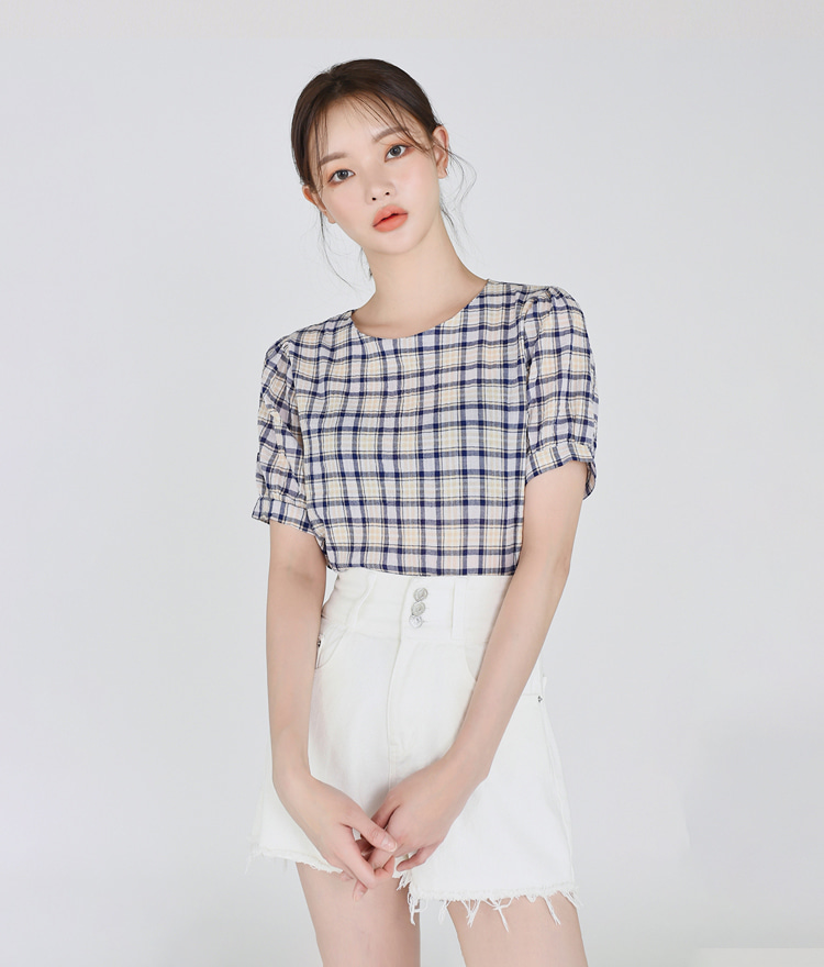 ESSAYBack Bow Round Neck Check Blouse