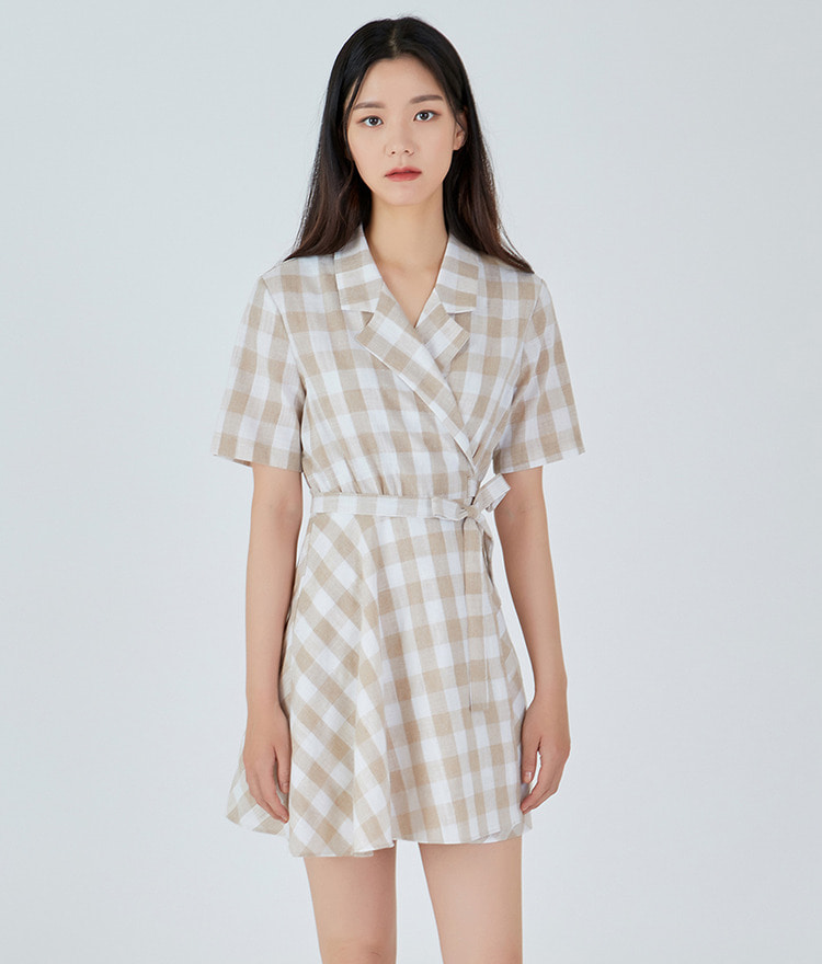 ESSAYNotched Collar Check Shirt