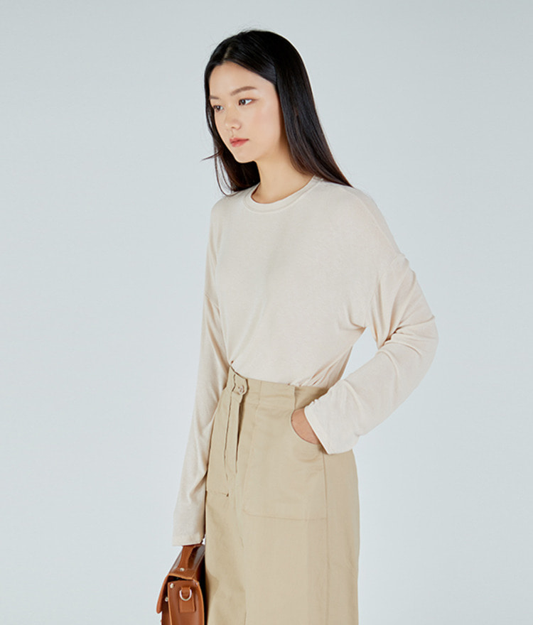 ESSAYLong Sleeve Loose Fit Top