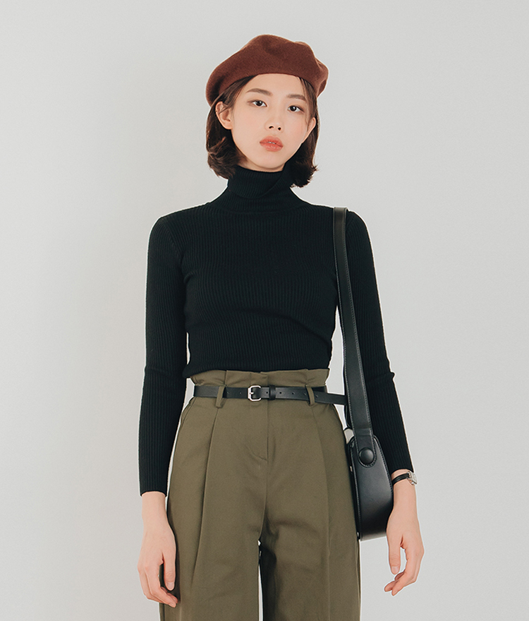 ESSAYTurtleneck Ribbed Knit Top