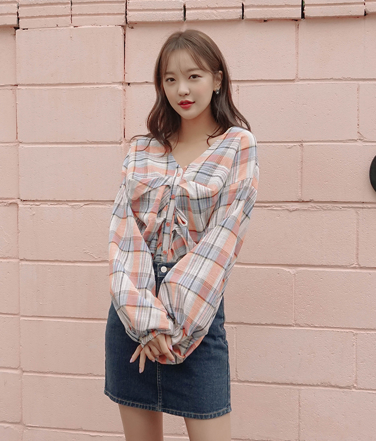 ROMANTIC MUSEBalloon Sleeve Ruched Check Blouse