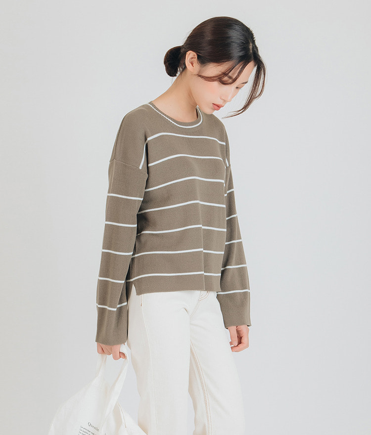 ESSAYLoose Fit Stripe Knit Top