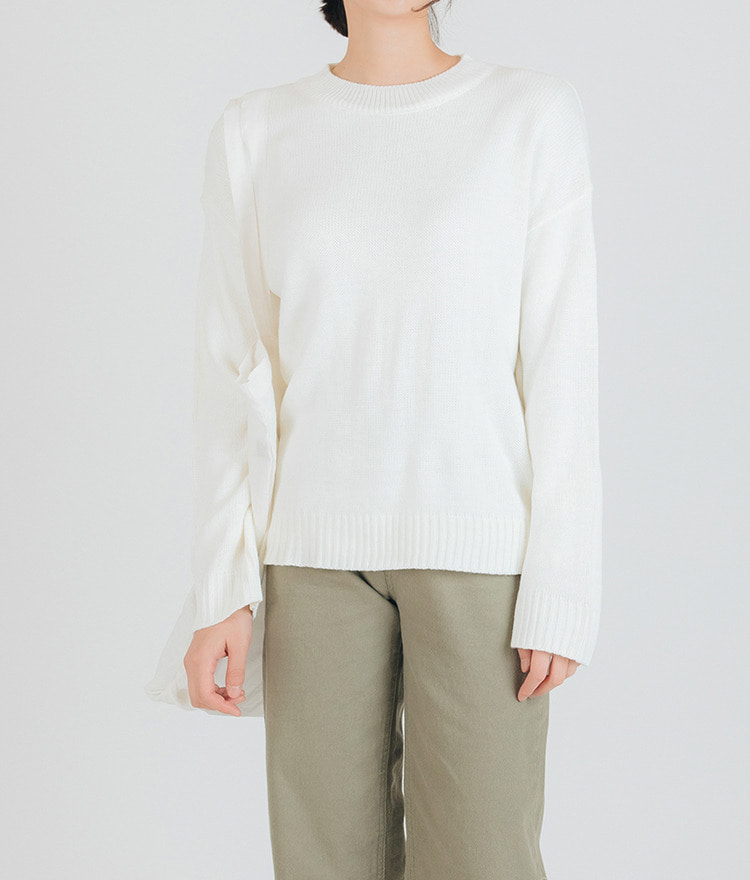 ESSAYRound Neck Long Sleeve Knit Top