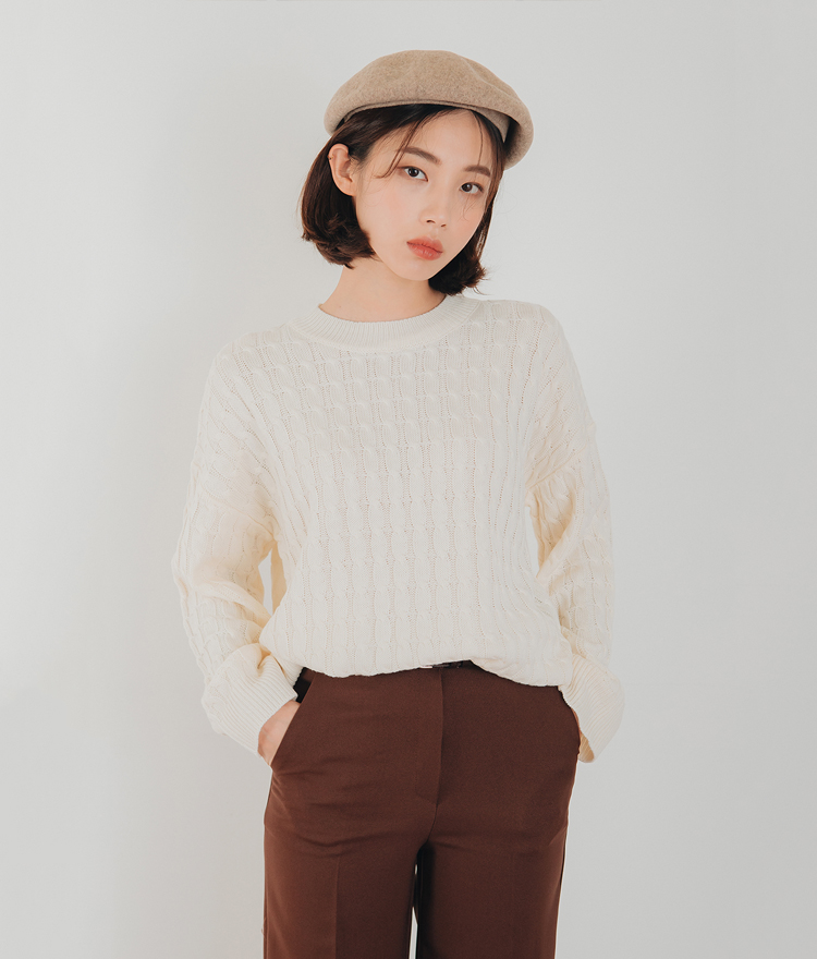 ESSAYRound Neck Cable Knit Top