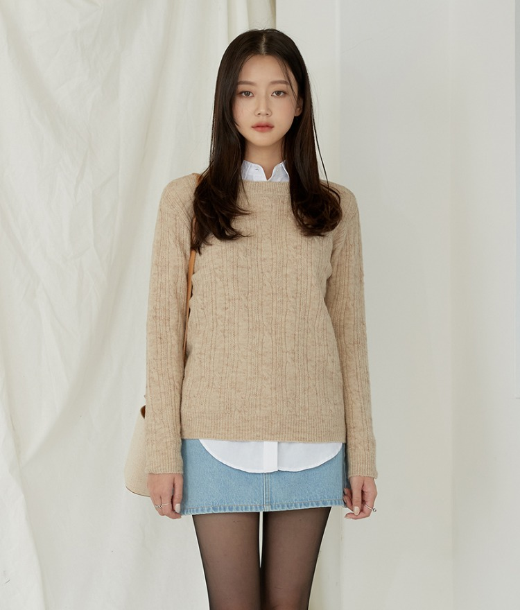 Long Sleeve Cable Knit Top