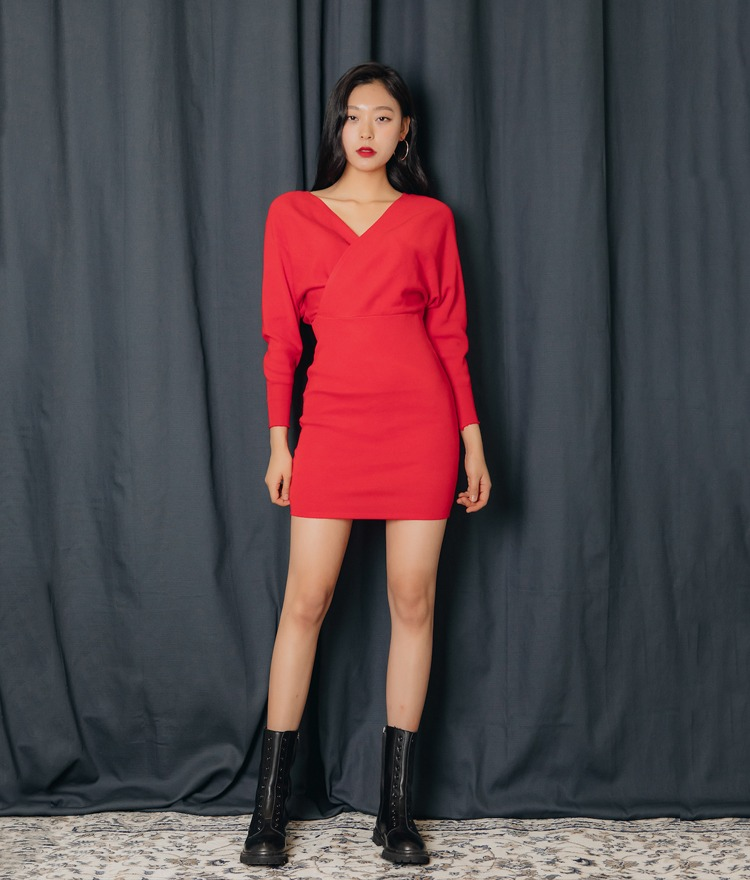 QUIETLABV-Neck Dolman Sleeve Dress