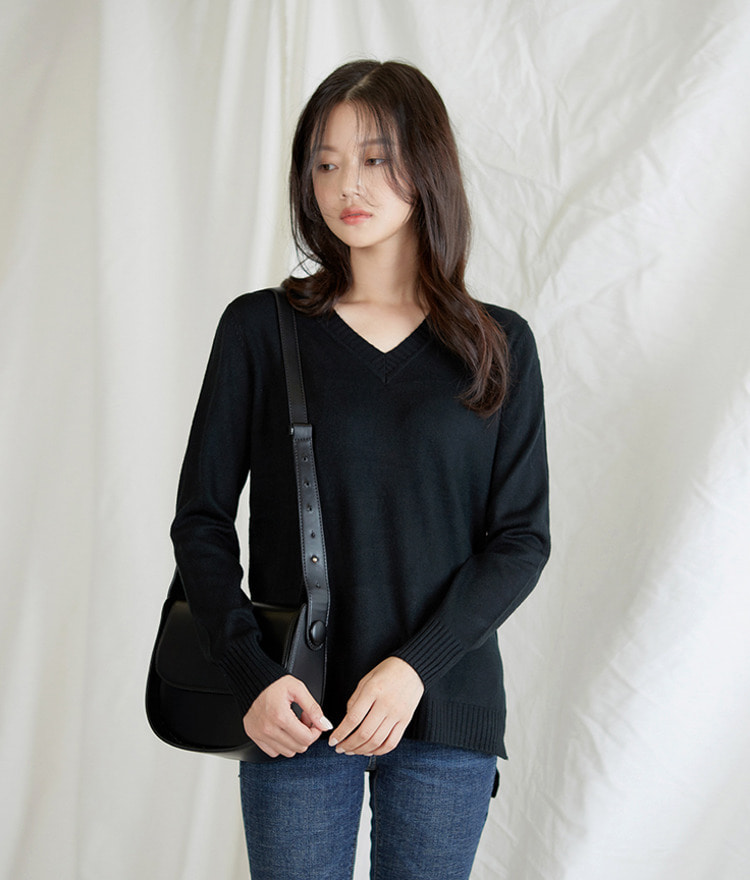 ESSAYV-Neck Long Sleeve Knit Top