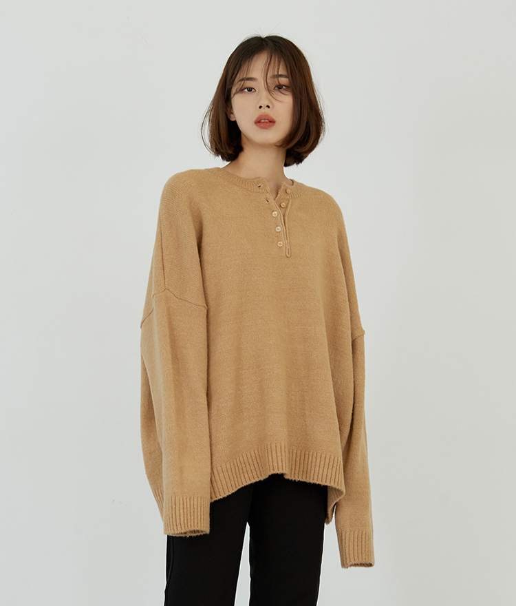 ESSAYHenley Neck Knit Top