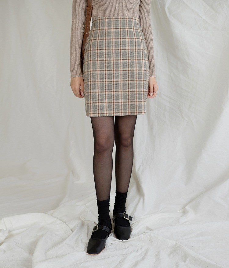 ESSAYStraight Cut Check Skirt