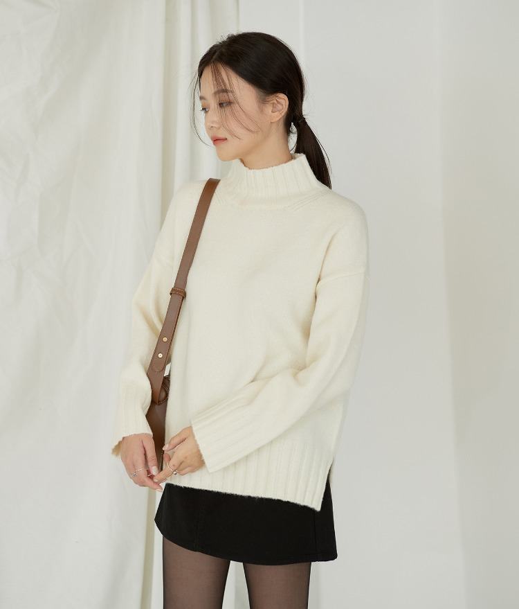 ESSAYMock Neck Side Slit Knit Top
