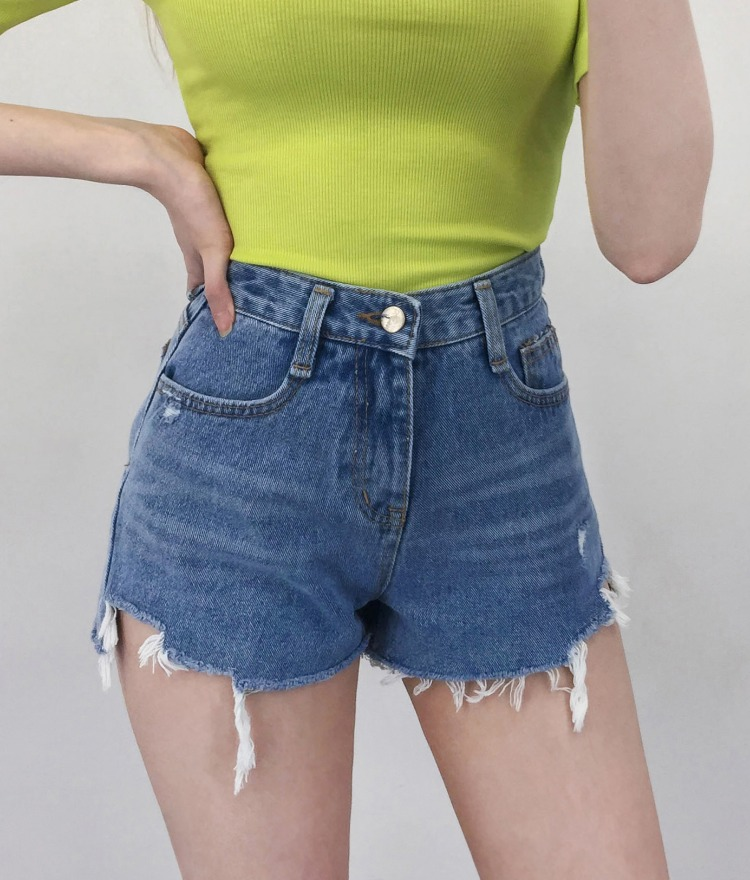 QUIETLABDestroyed Hem Denim Shorts