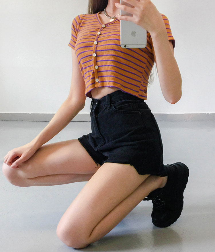 QUIETLABButton-Front Striped Crop Top