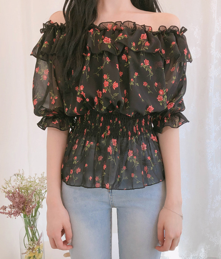 ROMANTIC MUSEShirred Waist Off-Shoulder Floral Blouse