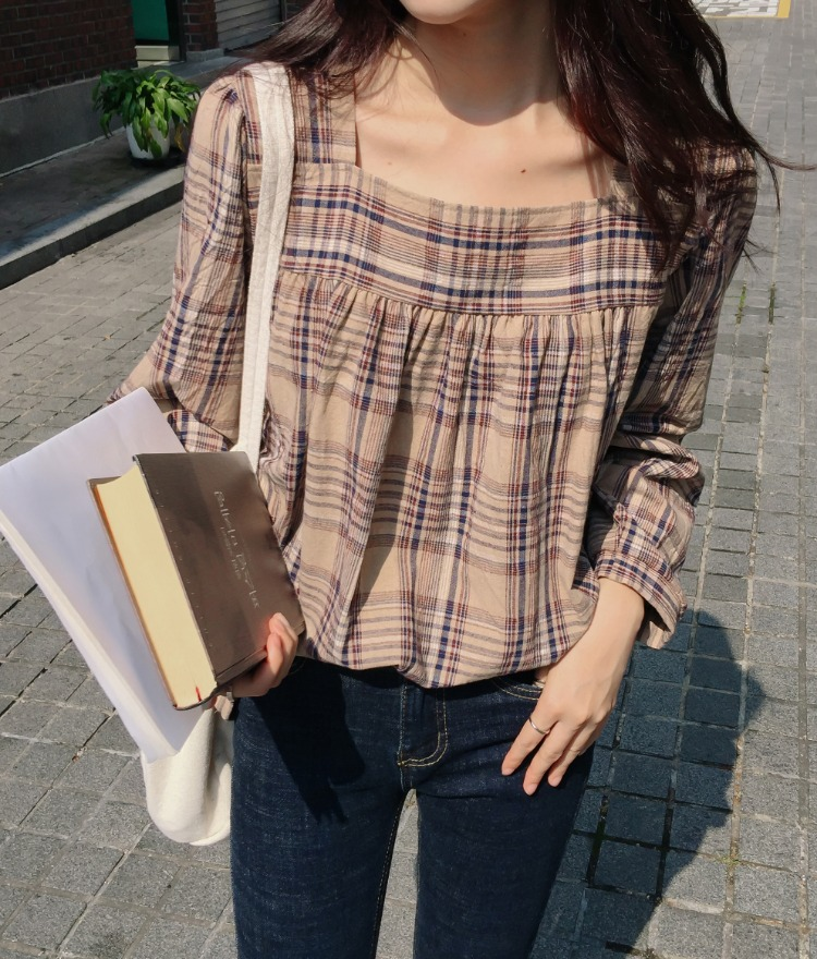 ESSAYSquare Neck Check Blouse
