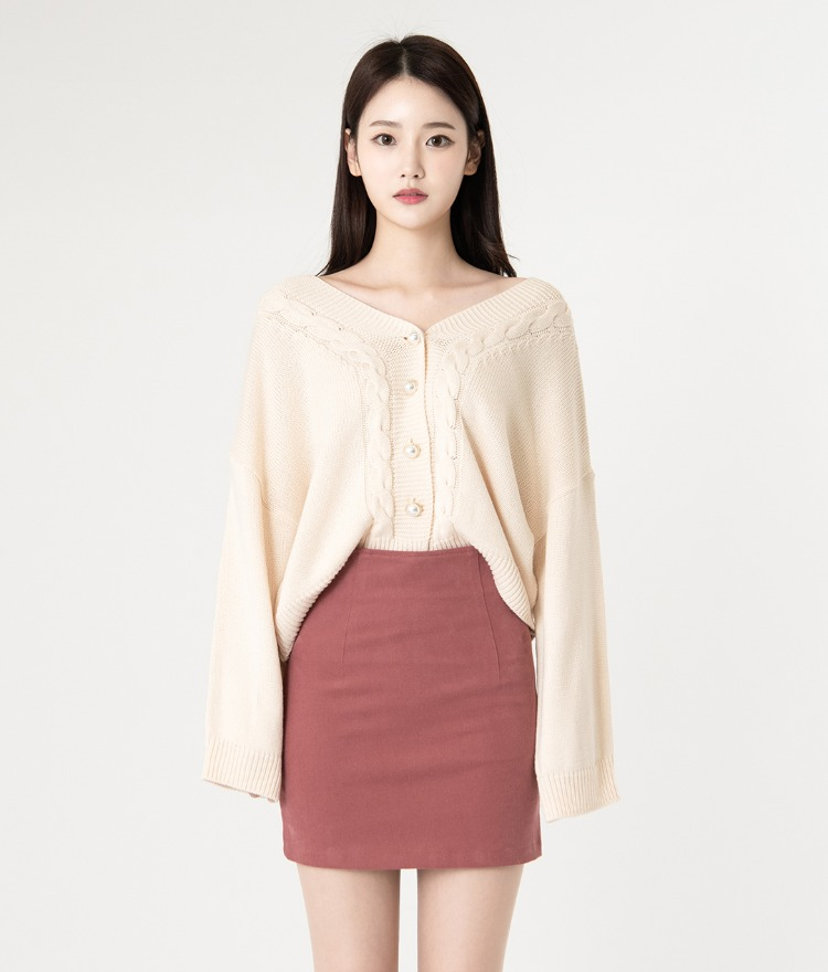 ROMANTIC MUSEFaux Pearl Button Knit Cardigan