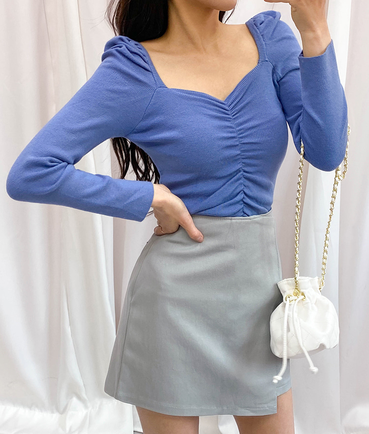 ROMANTIC MUSEPuffed Shoulder Ruched Front Knit Top