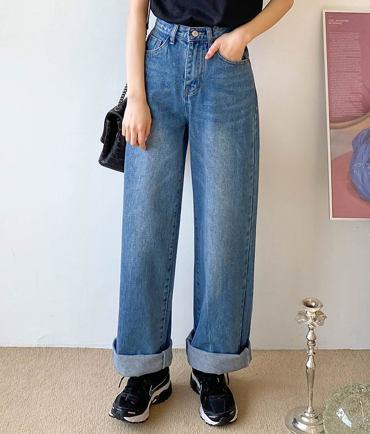 ESSAYWhiskered Wide Leg Denim Pants
