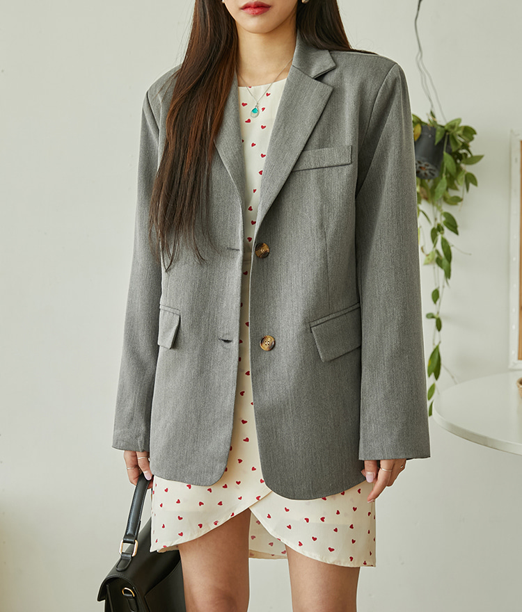 ROMANTIC MUSEBoxy Two-Button Jacket