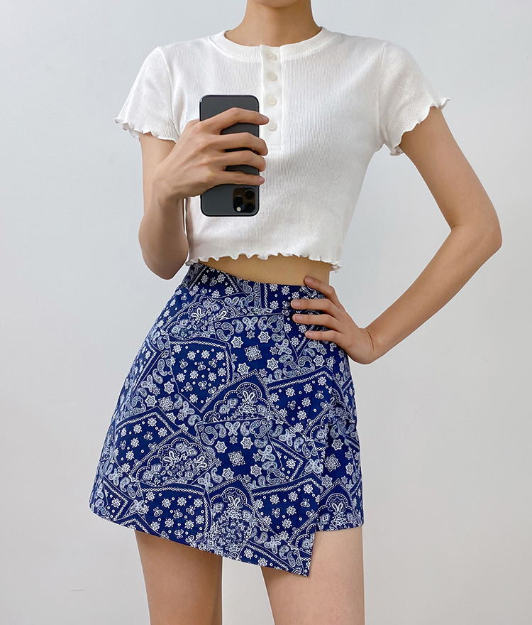 QUIETLABFaux Wrap Paisley Mini Skort