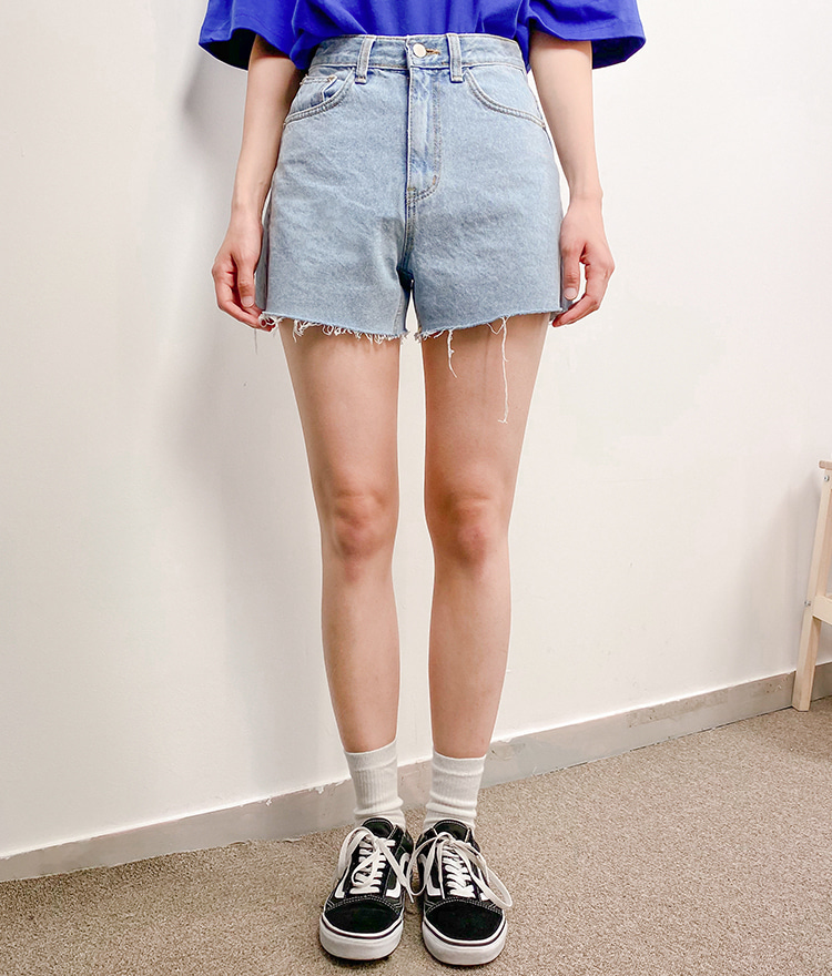 NEVERM!NDLoose Cutoff Denim Shorts