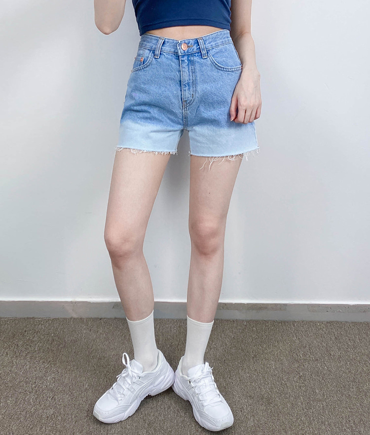 QUIETLABContrast Hem Denim Shorts