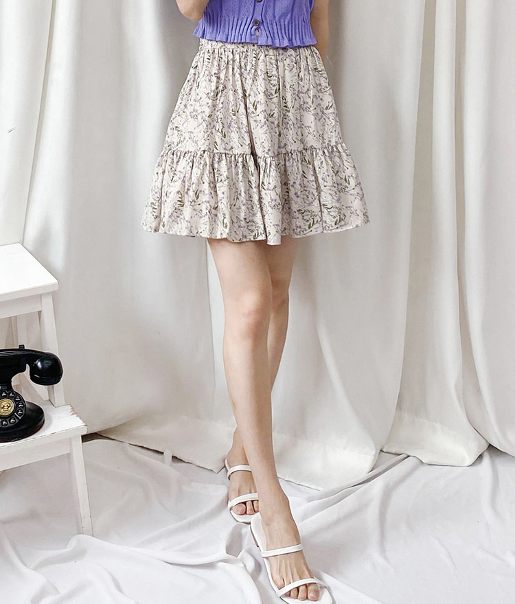 ROMANTIC MUSERuffled Hem Floral Mini Skort