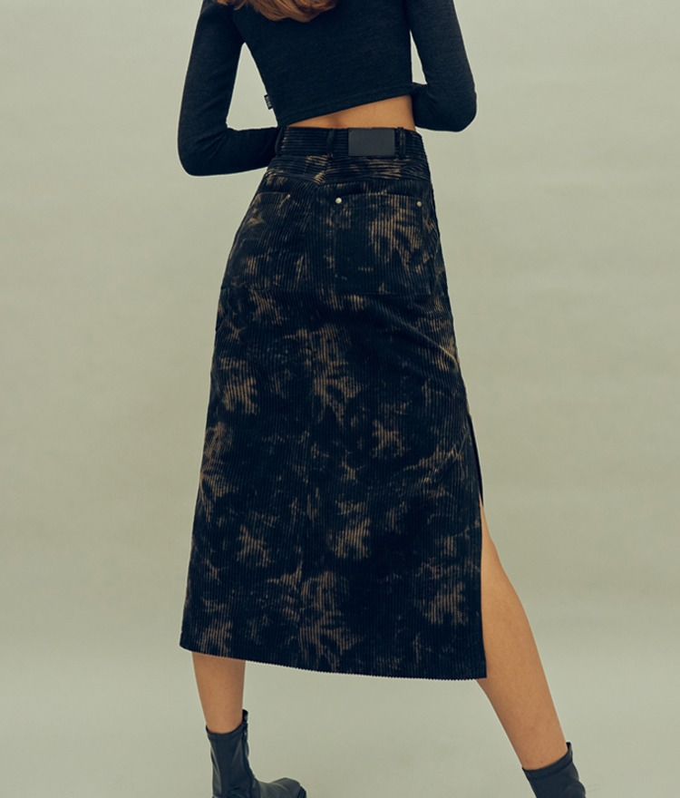 HIDEBlack Slit Hem Discolored Midi Skirt