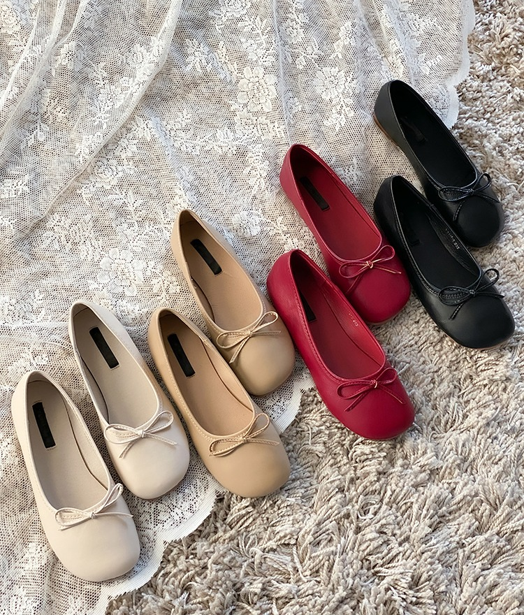 ROMANTIC MUSERibbon Accent Rounded Square Toe Flats
