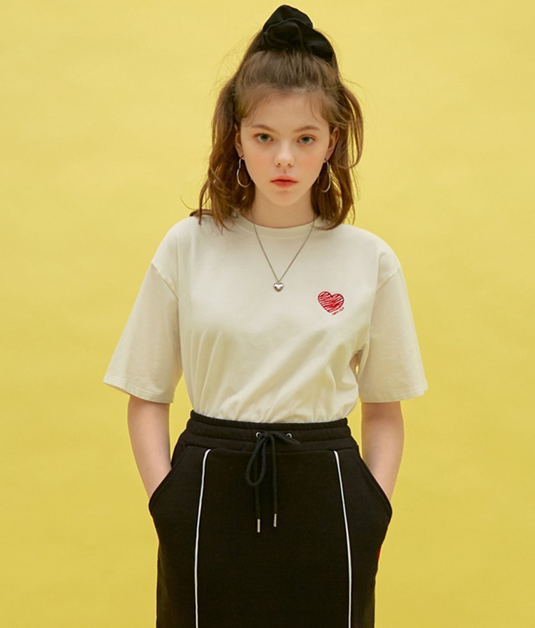 HEART CLUBHeart Embroidery White T-Shirt