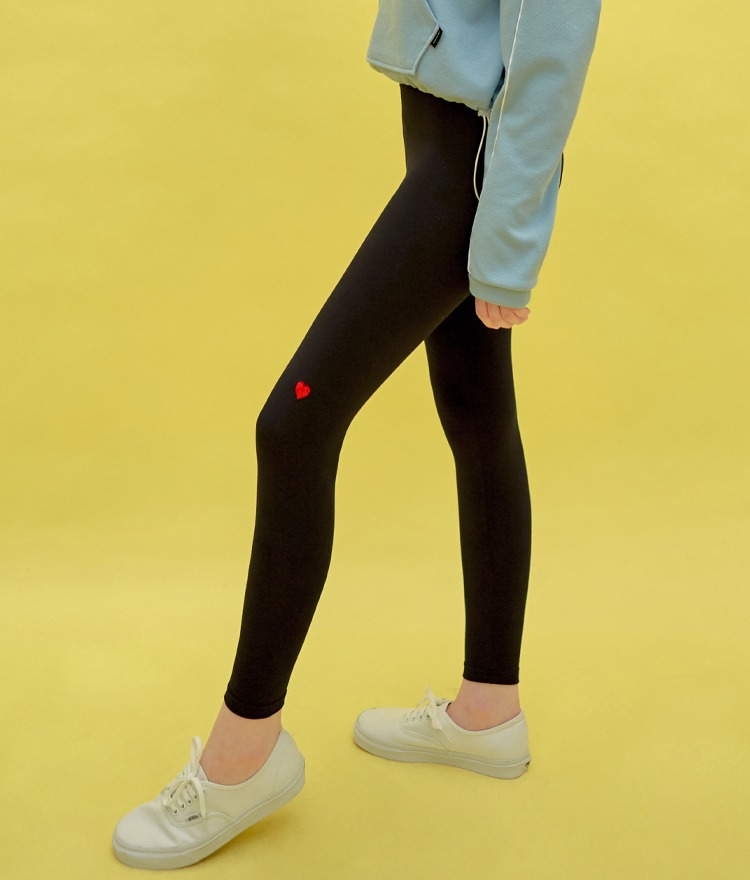 HEART CLUBContrast Heart Accent Leggings