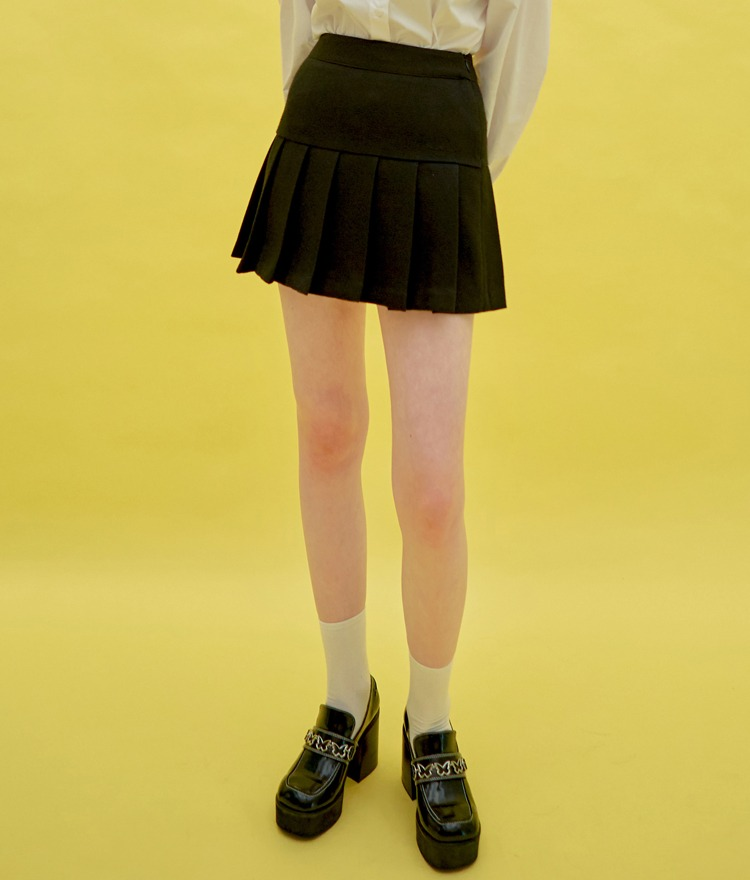 HEART CLUBBlack Pleated Hem Mini Skirt
