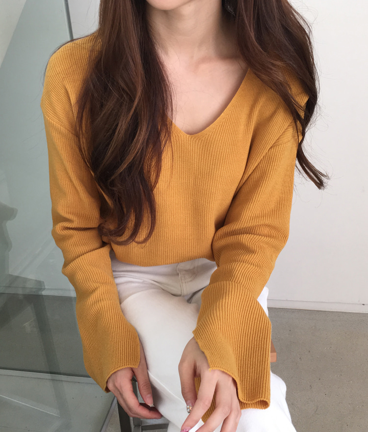 V-Neck Slit Sleeve Knit Top