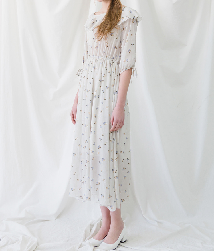 ROMANTIC MUSERound Neck Floral Dress